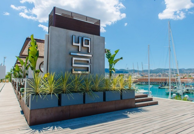49 Steps Bar & Grill in Palma