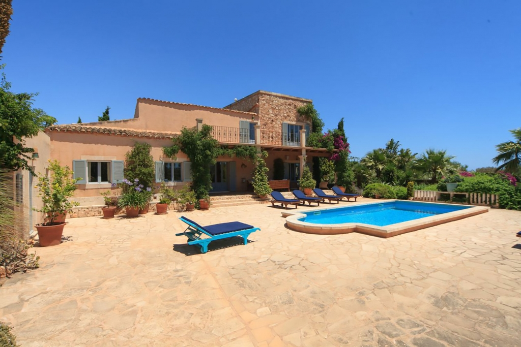 luxury accommodation majorca
